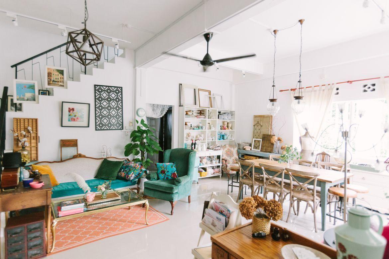 Decoración vintage en una casa llena de muebles y objetos llenos de historia