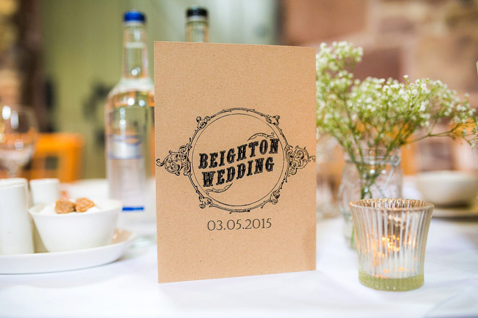 Una boda clásica en un granero de Staffordshi